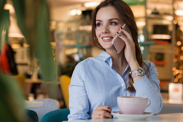 Objevte tipy a triky pro komunikaci se ženami s knihou Návod na ženy!