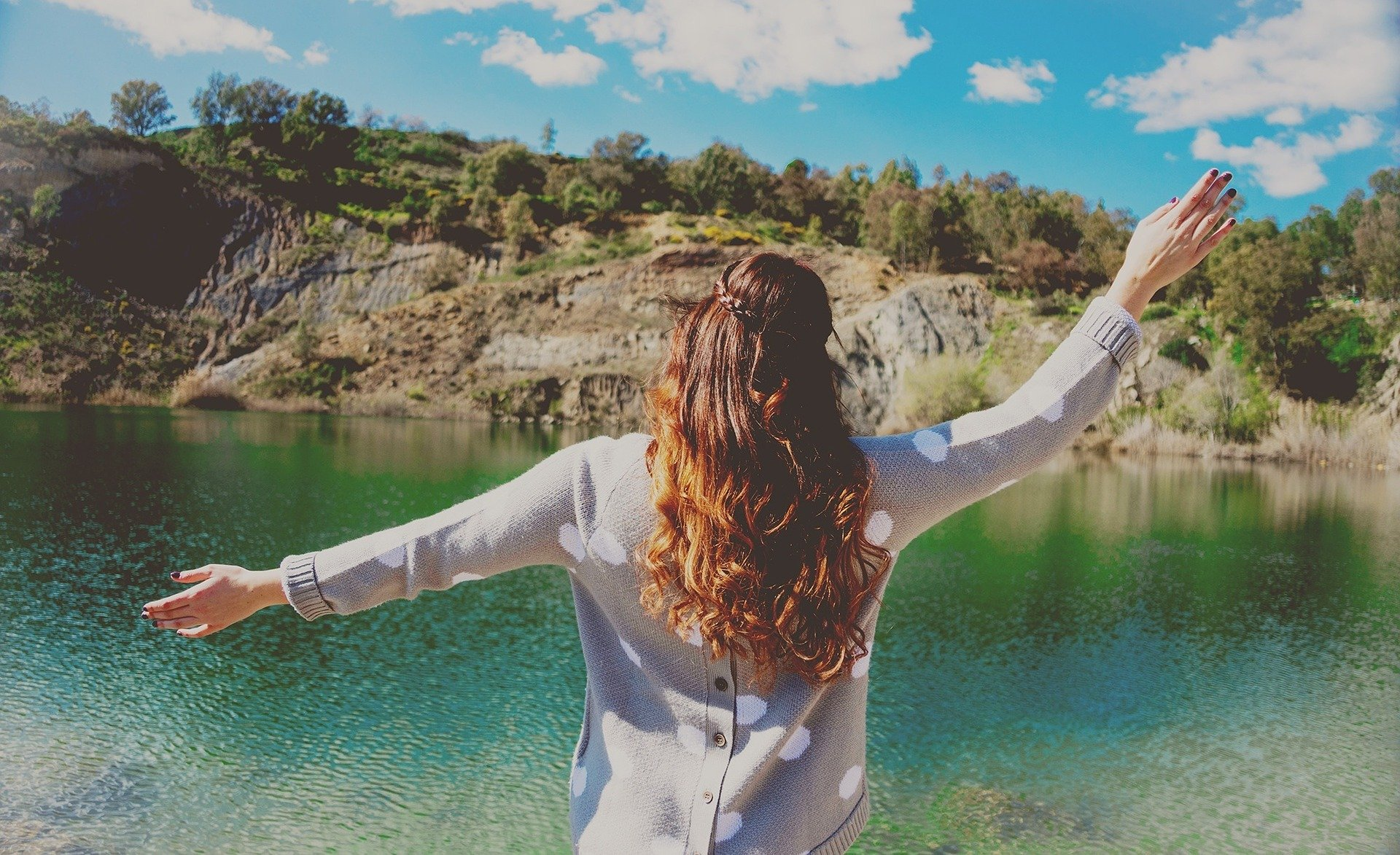 Žena a jezero